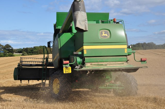 John Deere Combine harvesting at Birnieknowes