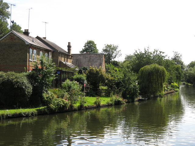 Houses on Springwell Lane by the Grand Union Canal
