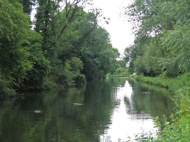The Grand Union Canal by Lynsters Lake