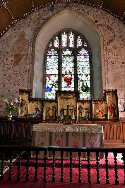 Bramley, St. James Church: The altar
