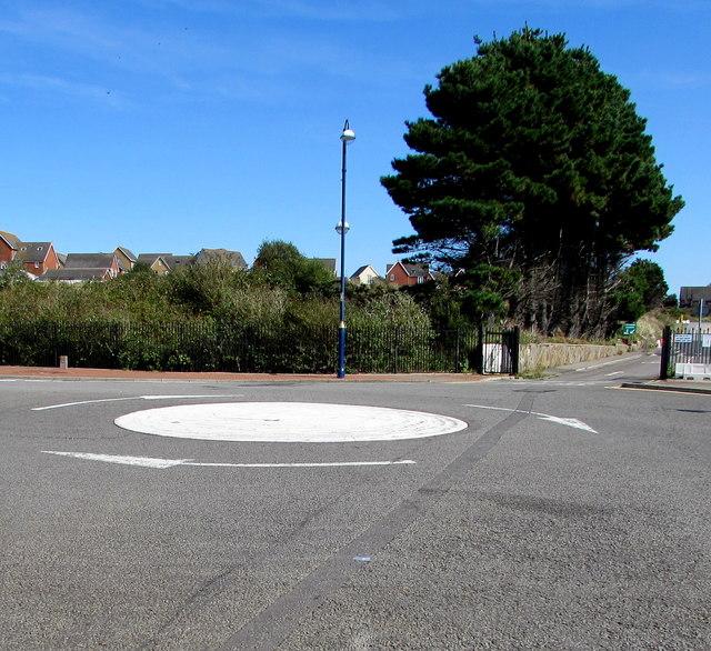 Mini-roundabout, Barry Island