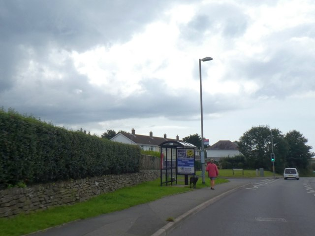 Bus shelter inbound to Bude along Stratton Road