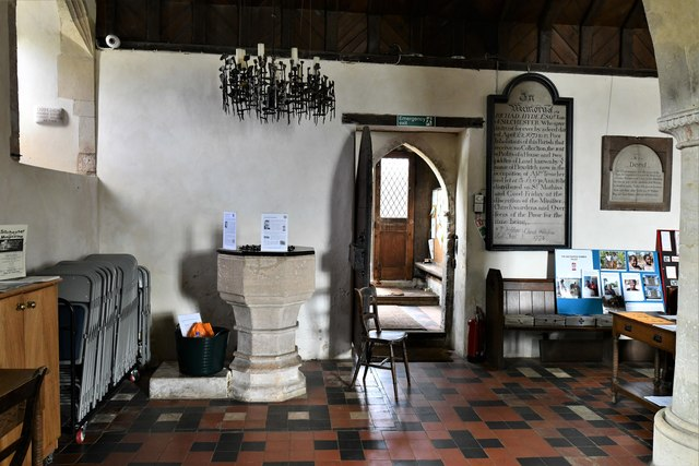 Silchester, St. Mary's Church: The 14th-15th century font sited in the north aisle