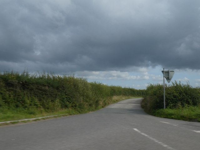 Minor road to Trefrida from Allins on A39