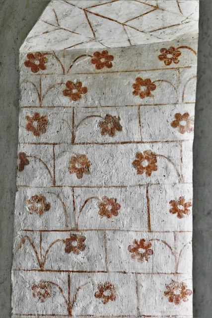 Silchester, St. Mary's Church: Medieval patterned wall painting 2