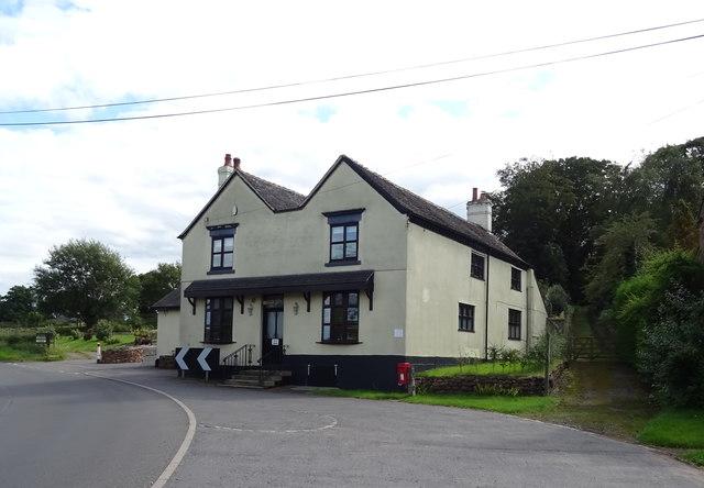 House on the B5026, Croxtonbank