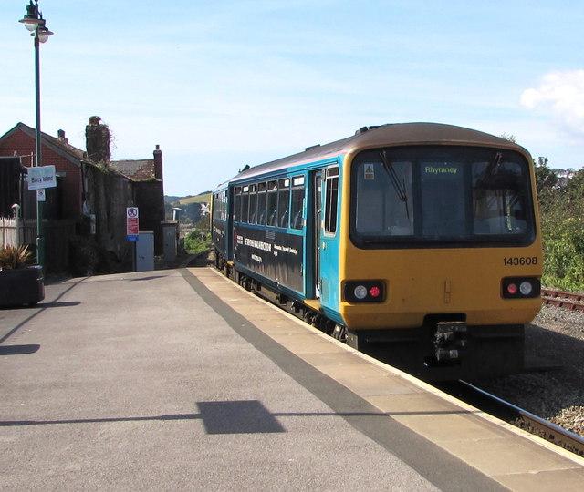 Rhymney train leaving Barry Island station