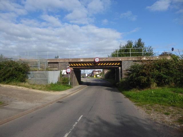 Railway bridge over Fox Covert Lane