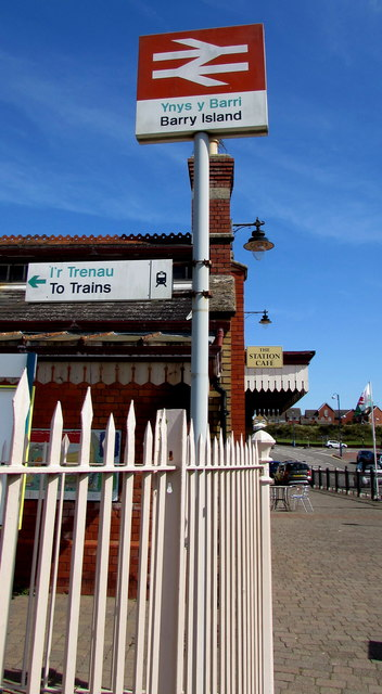 Welsh/English signs at the entrance to Barry Island station