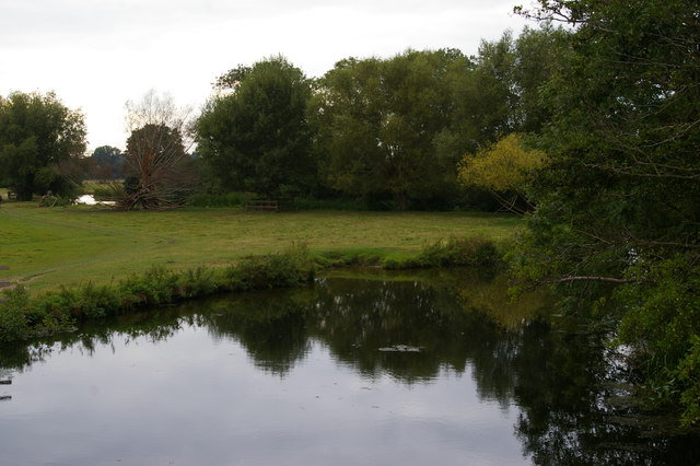 View up the River Stour from the bridge at Flatford