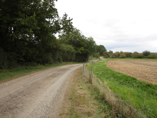 Bridleway alongside a disused quarry