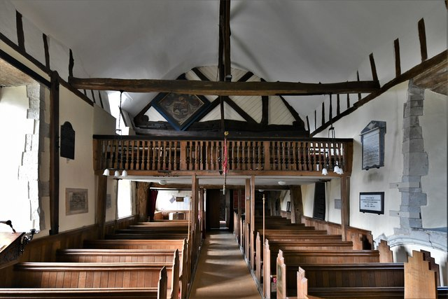 Dummer, All Saints Church: The nave and Charles II gallery