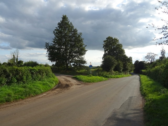 Clanford Road towards Seighford