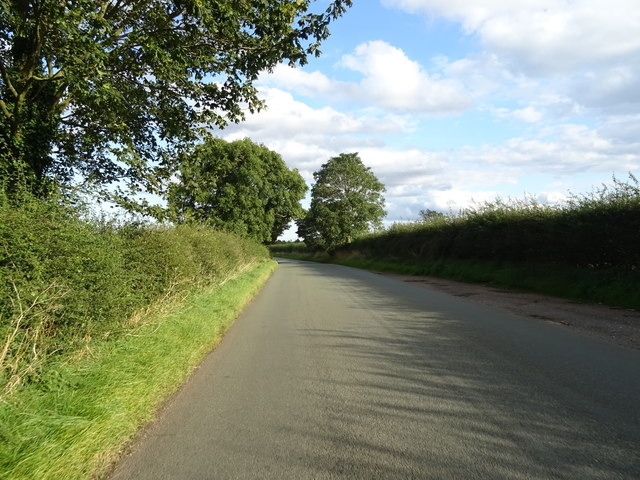 Seighford Road towards Doxey