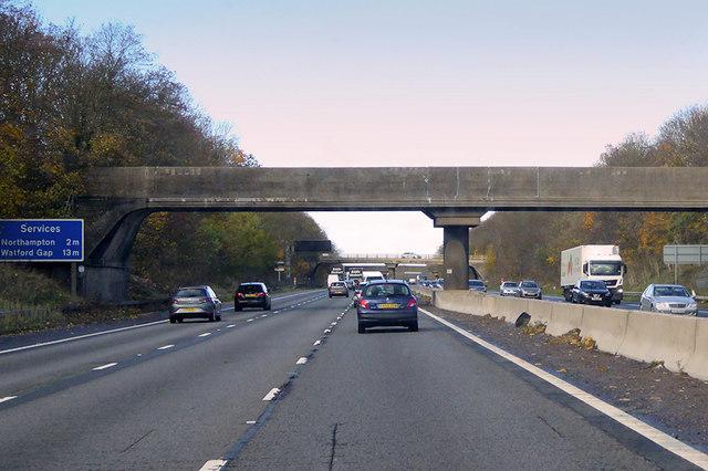 Footbridge over the M1 near to Collingtree