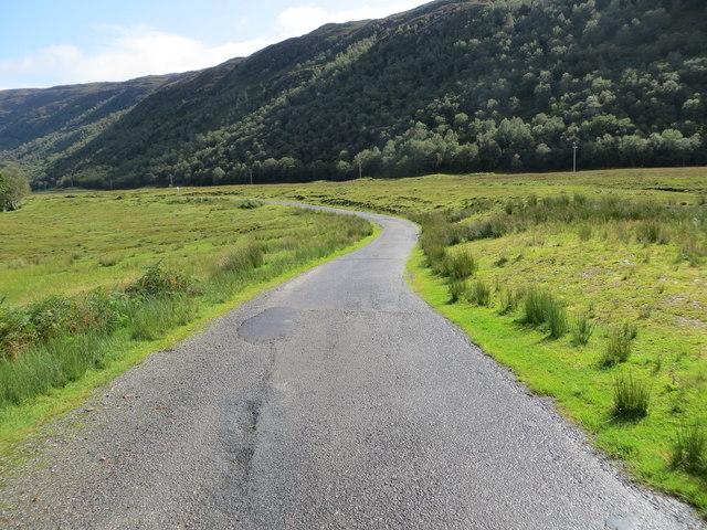 A stretch of minor road between Blackwood and Arineckaig