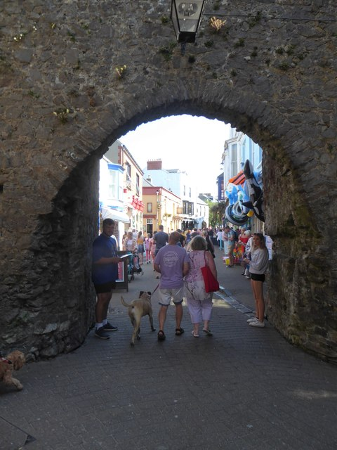 Looking through one of the Five Arches