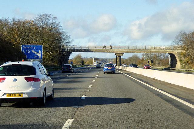 Northbound M1 near to Kislingbury