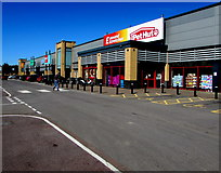 ST1167 : Waterfront Retail Park, Barry by Jaggery
