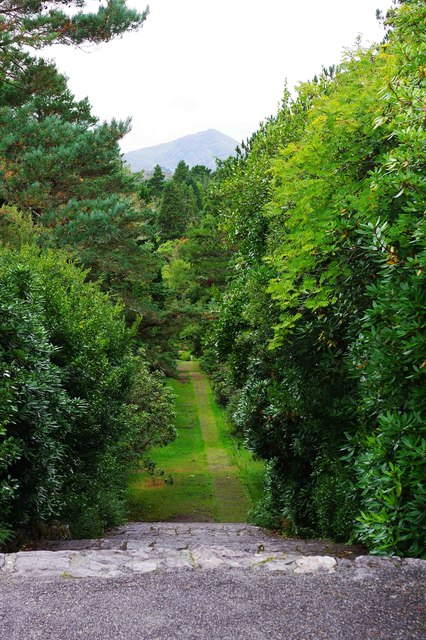 Ilnacullin/Garinish Island, Co. Cork - footpath to the Happy Valley and Grecian Temple