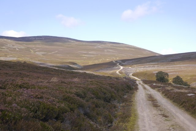 Approaching the Allt Cùl on the ascent of the Bealach Dearg