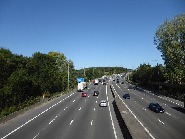 M25 seen from Solesbridge Lane
