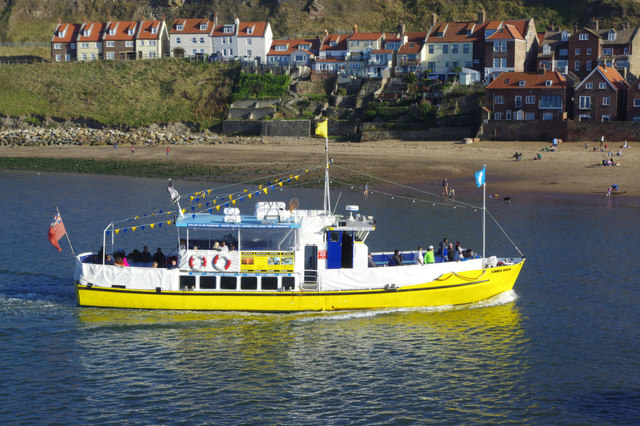 'Summer Queen' in Whitby Lower Harbour