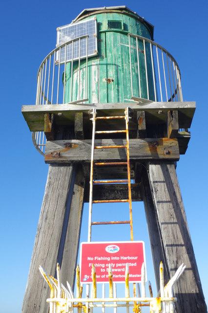 West Pier Beacon, Whitby