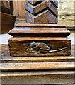 SJ9995 : Altar rail mouse by Gerald England