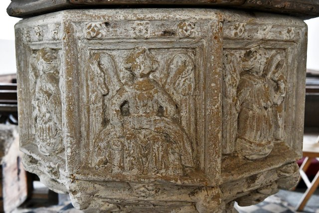Shimpling, St. George's Church: The font 6