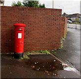 ST3090 : King George V pillarbox, Malpas Road, Newport by Jaggery