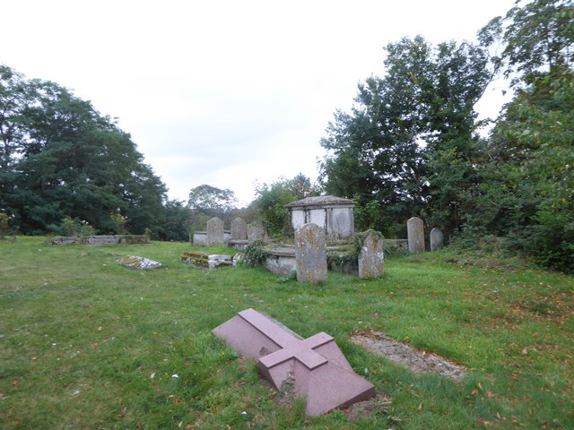 St Andrew, Colne Engaine: churchyard (e)