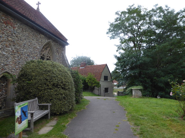 St Andrew, Colne Engaine: churchyard (g)