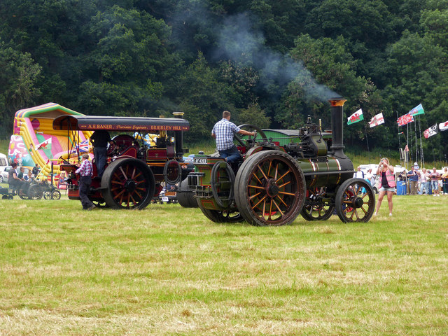 Steam engines and photographer in the rally ring