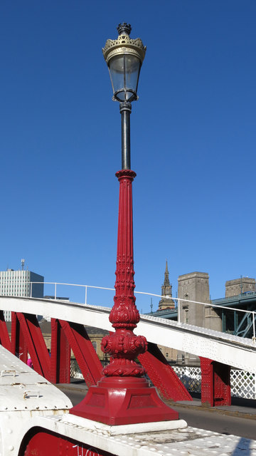 Lamppost on the Swing Bridge