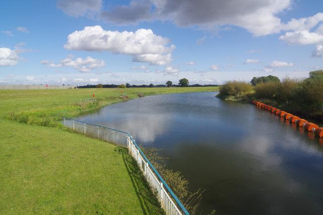 River Derwent, above Barmby Barrage