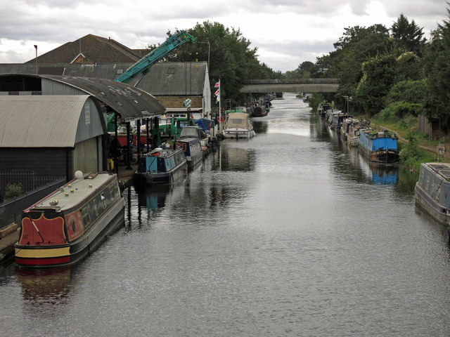 The Grand Union Canal south of the Rockingham Road bridge