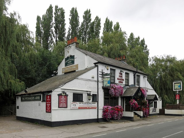 The Pipemakers Arms, Rockingham Road (2)
