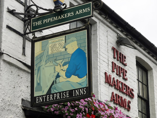 Signs for the Pipemakers Arms, Rockingham Road