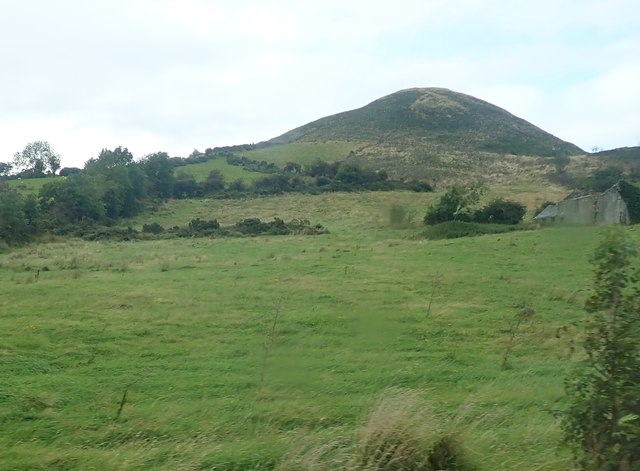 Sugar Loaf Hill from Sturgan Brae (B30)
