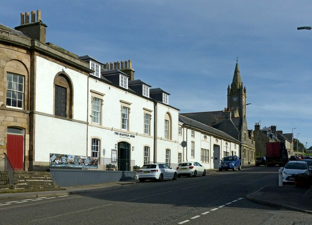 Seafield Street with the Seafield Arms