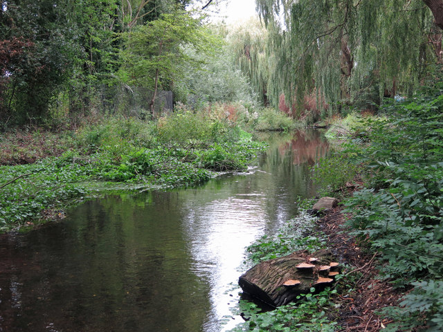 The River Colne by the Pipemakers Arms