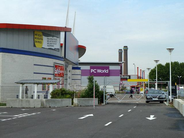 Large retail stores, Waddon