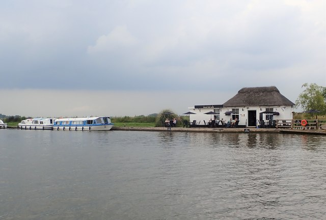 Dunes River Cafe on the river Bure
