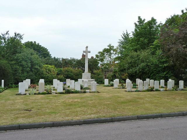 War memorial and graves, Croydon Cemetery