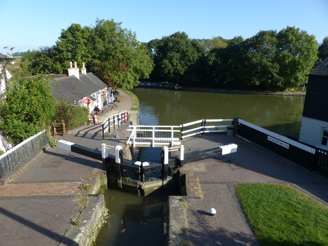 Foxton Bottom Lock