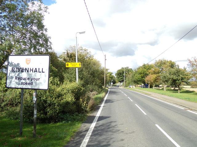 Entering Rivenhall on Oak Road