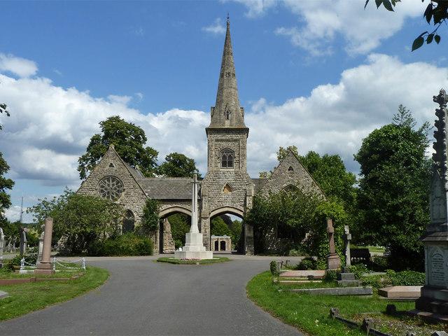 Chapels and war memorial, Queen's Road Cemetery