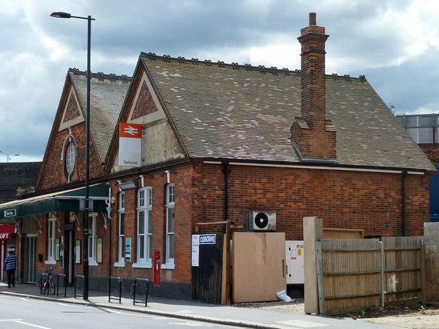 Selhurst station, street level