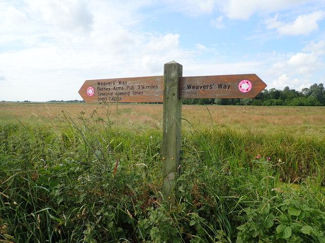 Weavers' Way signpost